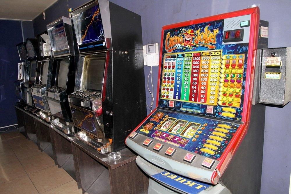 Где в астрахани игровые автоматы адмирал казино онлайн рулетка